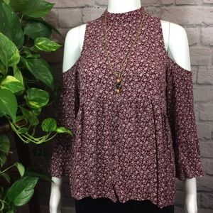 American Eagle red open shoulder peplum small top